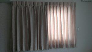寝る時は必ず、カーテンを閉める